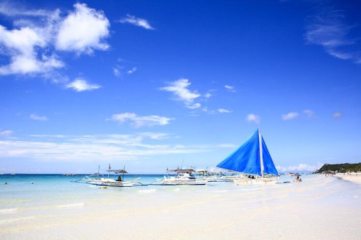 4キロ続くボラカイ島のホワイトビーチ