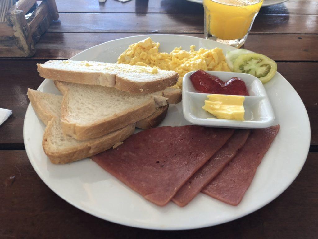 サーフサイドボラカイリゾート&スパ 朝食